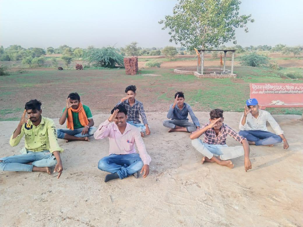 dhar news today - बदनावर में अंतर्राष्ट्रीय योग दिवस मनाया