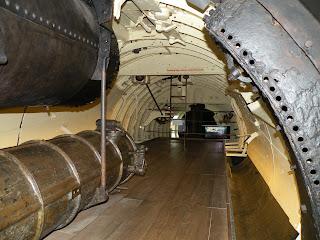 """Госпорт. Музей Подводных Лодок. Подлодка """"Holland 1"""", 1901 года. Внутри."""