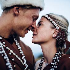 Wedding photographer Vasiliy Tikhomirov (BoraBora). Photo of 22.10.2014