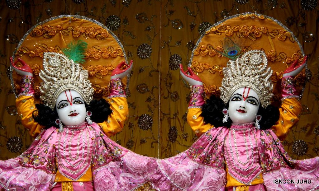 ISKCON Juhu Mangal Deity Darshan on 30th Dec 2016 (31)