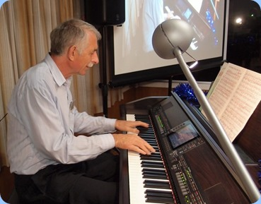 Claude Moffat played a selection of George Shearing (fistfuls of chords) for us on the Club's Yamaha Clavinova CVP-509. Photo courtesy of Dennis Lyons.