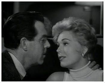 Kim Novak y Fred MacMurray