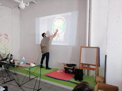 Juan Anaya explicando