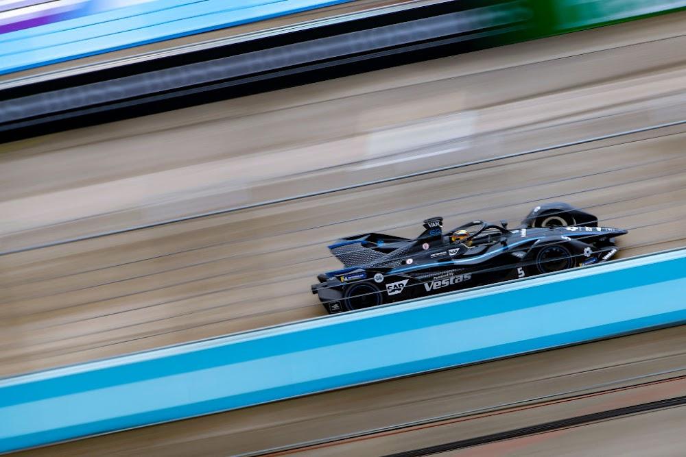 Saudi Arabia to host Formula E's first night race