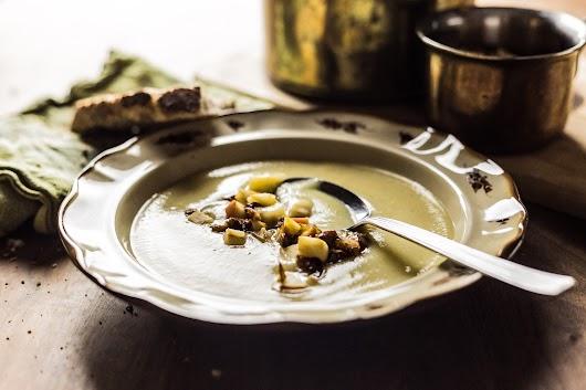 Suppe med selleri og persillerødder toppet med bacon, selleri og æbler - Mikkel Bækgaards Madblog-2.jpg