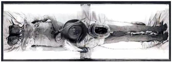 Um misterioso gigante de 3 metros de altura e duas cabeças da Patagônia 02