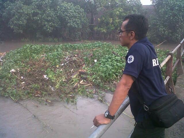 Antisipasi Luapan Sungai Sadar, BPBD Bersihkan Enceng Gondok