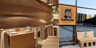 🤯 Ce café à couper le souffle, fabriqué entièrement en carton montre à quel point l'architecture peut être écologique