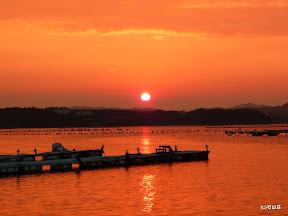 2009/8/30の夕焼けです。ゆっくりとまん丸のまま沈んでく夕日が印象的でした。