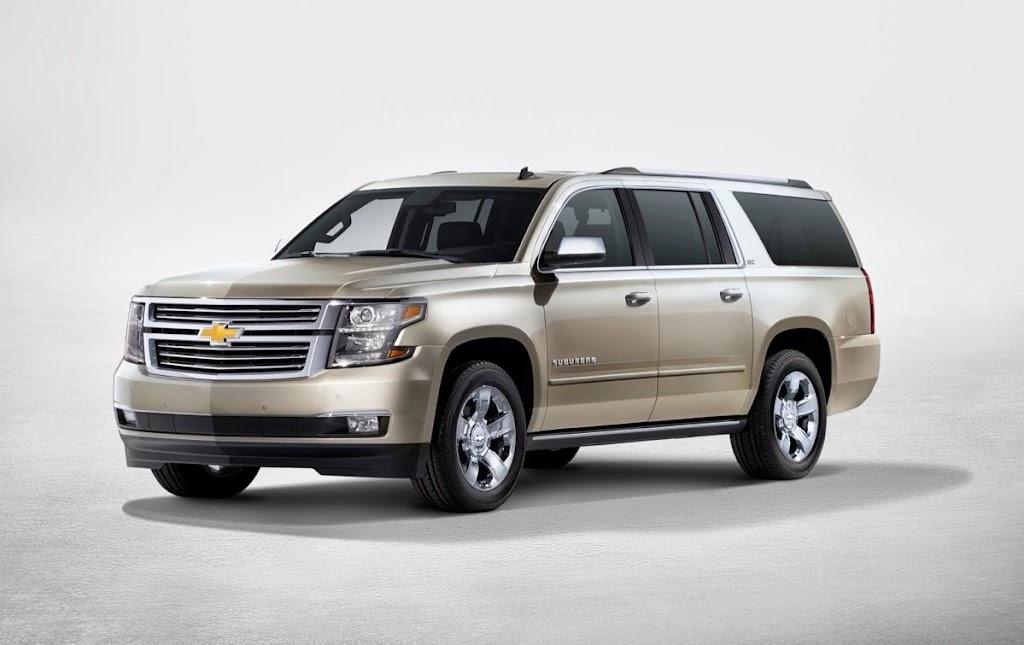 2015-Chevrolet-Suburban-sideview-NewYorkreveal-002