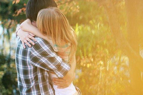 Um abraço bem apertado e demorado