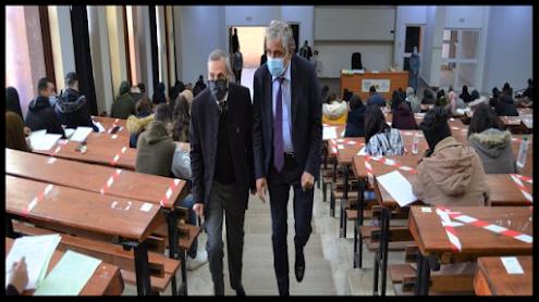 أزيد من 12334 طالبا (ة) بكلية الآداب بوجدة يجتازون الامتحانات الخريفية وفق إجراءات صحية صارمة