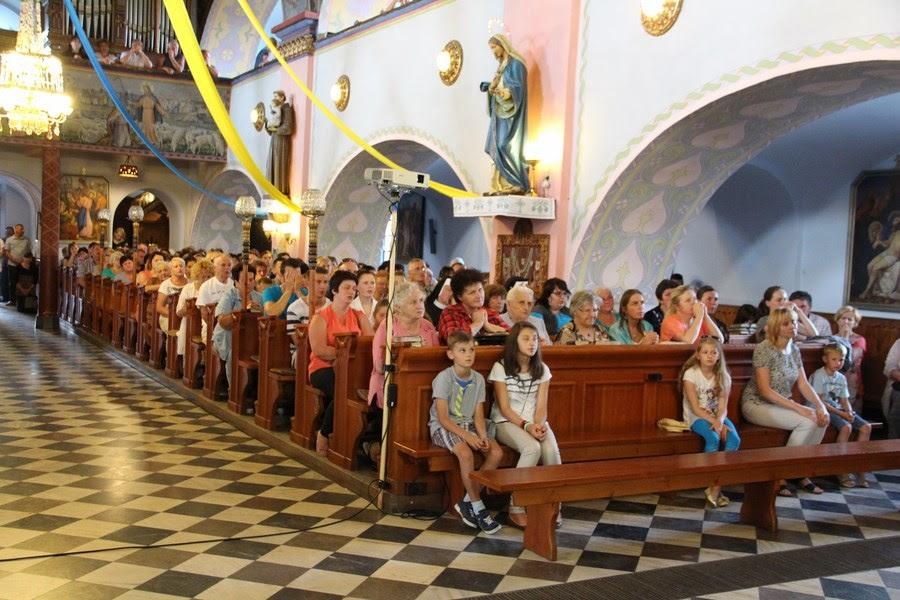 Z relikwiami św. O.Pio w Istebnej - IMG_3484.JPG