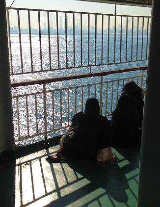 Iranian Women on the Valfajr-Ferry Bandar Abbas / Iran - Sharja / United Arab Emirates, Strait of Hormuz