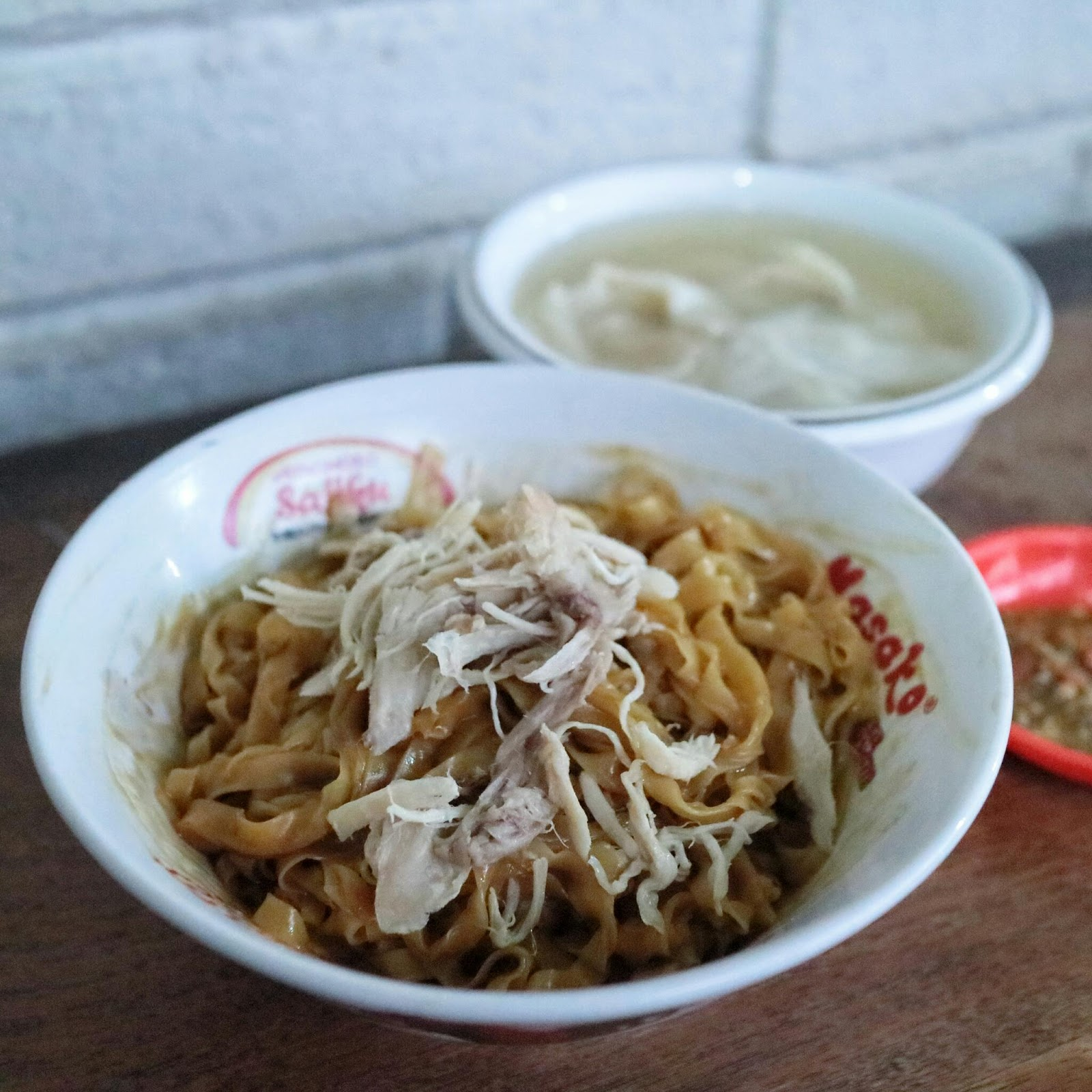 Mie koey fong bandung let 39 s go eat for Aja asian cuisine menu