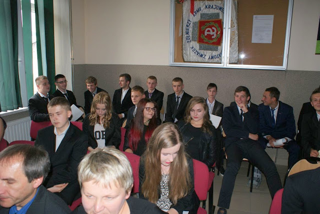 Pożegnanie klas 3 gimnazjum - DSC03172_1.JPG