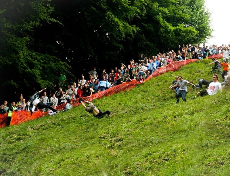 cooper-hill-cheese-rolling-5