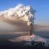 Vulcão nas Ilhas Canárias: lava continua a se aproximar da água