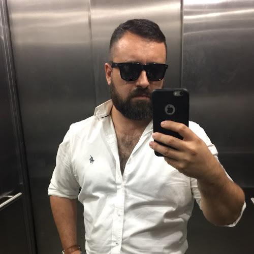 Lucas Ferrari_1