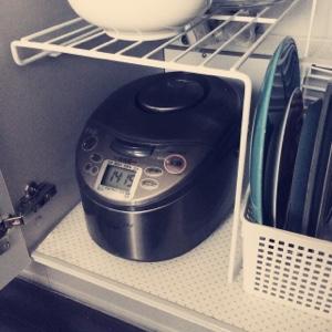 炊飯器 収納場所 シンク下