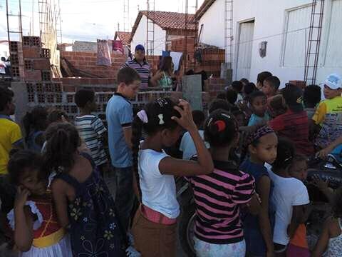 Guarda civil de Cacimbinhas deu o seu apoio a festa das crianças na comunidade carente em Cacimbinhas.