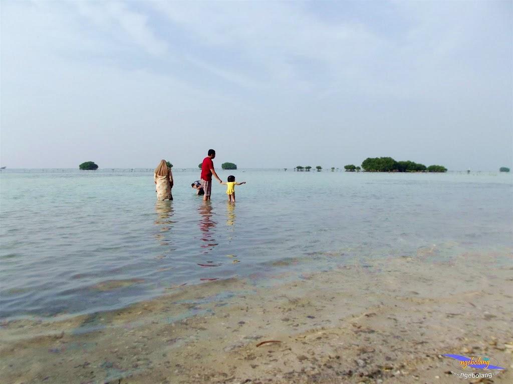 family trip pulau pari 090716 Fuji 131