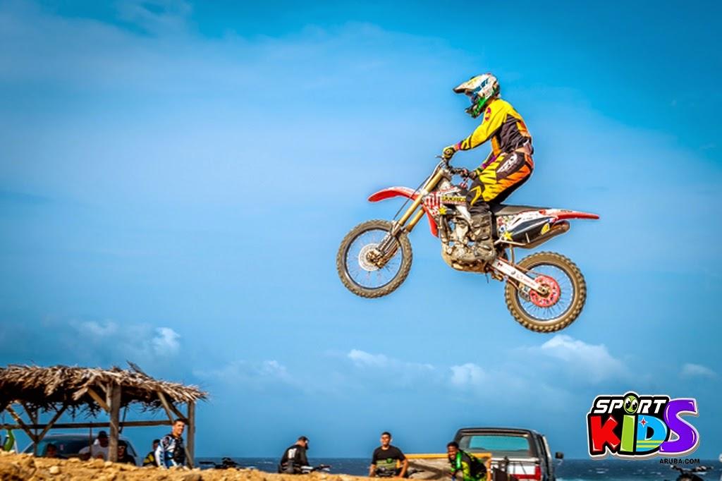 extreme motorcross Aruba - moto%2Bcross%2BGrape%2Bfiled%2BApril%2B2015-106.jpg