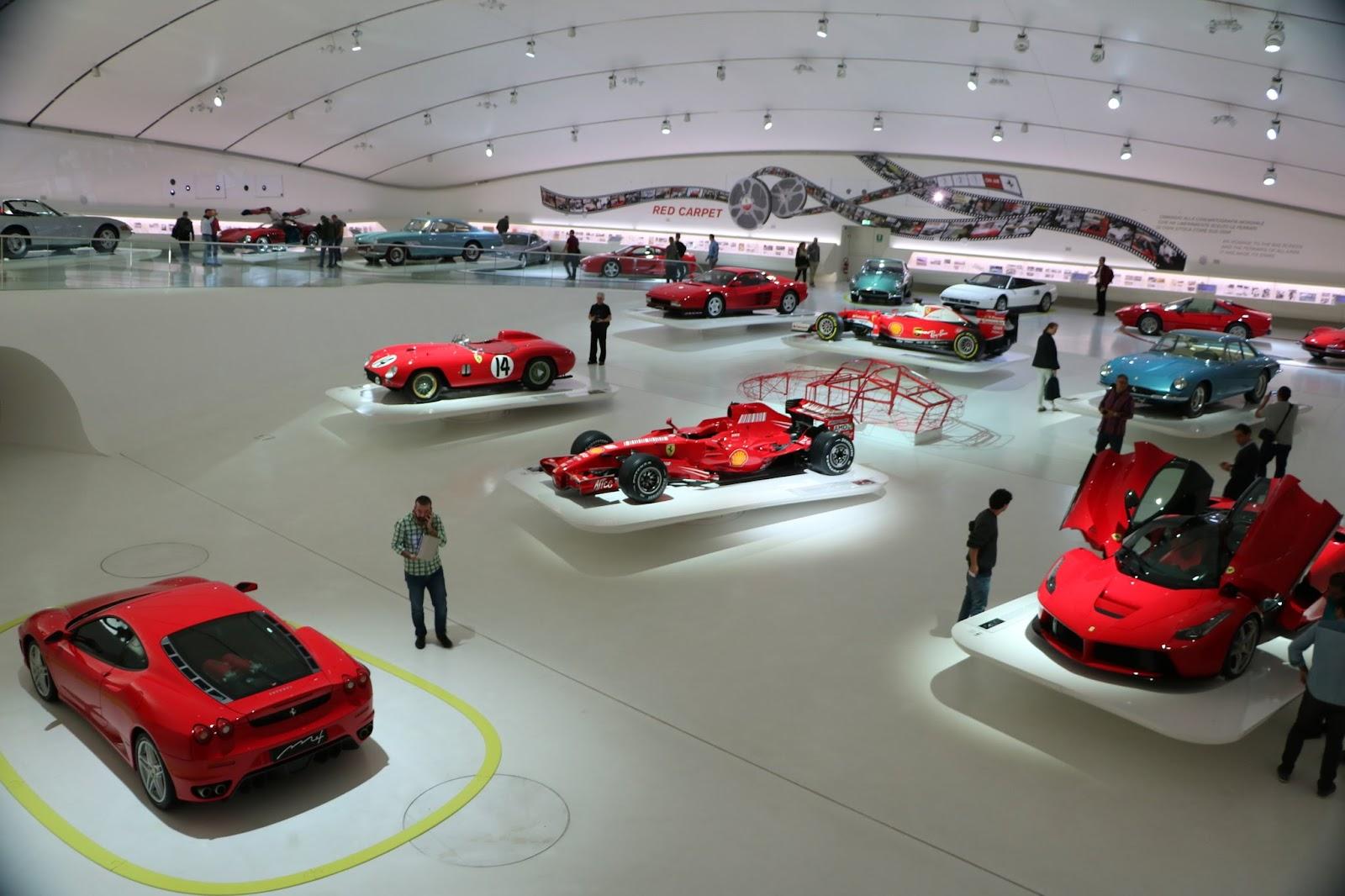 Modena - Enzo Museum 0126 - Floating Ferraris.jpg