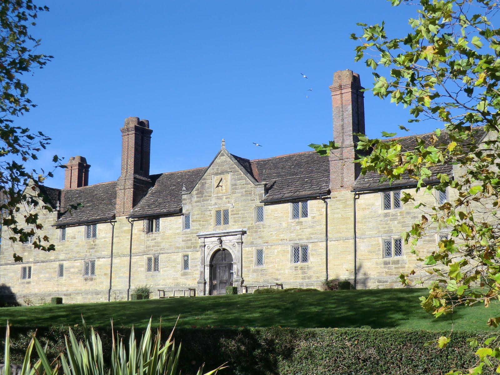 CIMG9275 Sackville College, East Grinstead