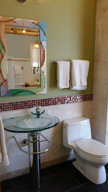 Bathrooms - 20150825_114011.jpg