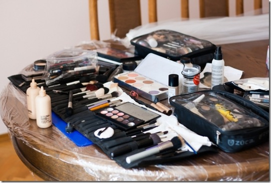 How_Your_Makeup_Can_Mess_Up_Your_Hormones (2)