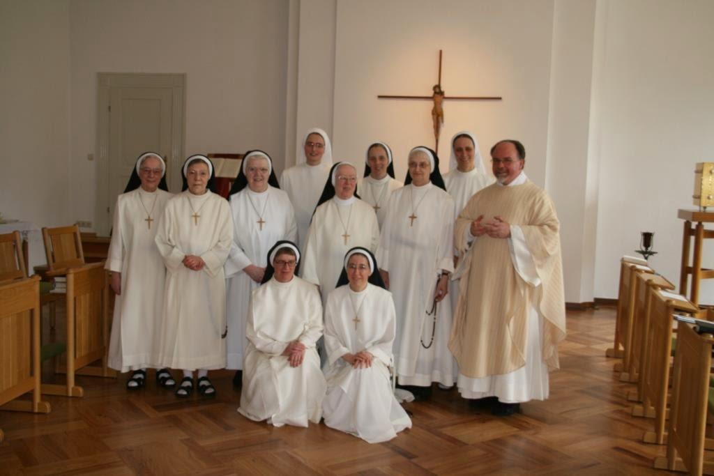 szemlélődő (magyar) domonkos apácák Németországban - Einkleidung%2BSr.%2BDiana%2B027.jpg