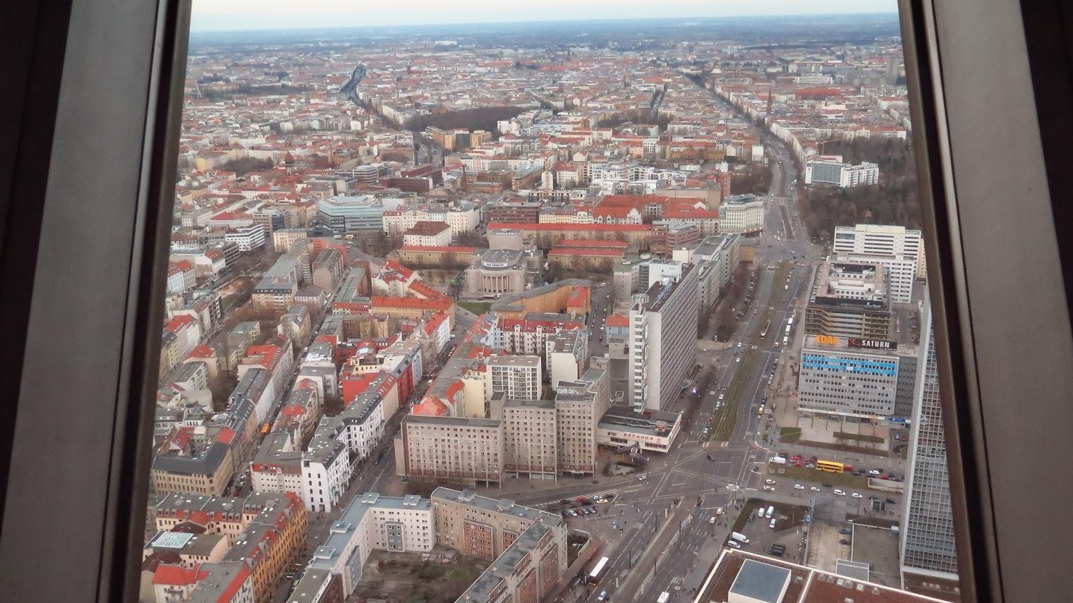 Torre de TV em Berlim: turismo na Berliner Fernsehturm