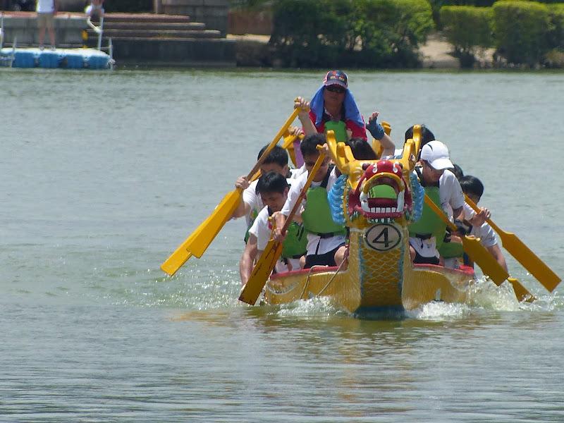 Dragon boat festival à Longtan ( Taoyuan) - dragonboat%2B057.JPG