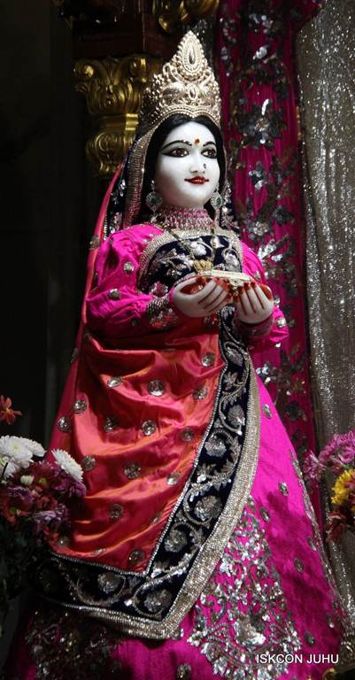 ISKCON Juhu Mangla Deity Darshan 18 Dec 2015 (23)