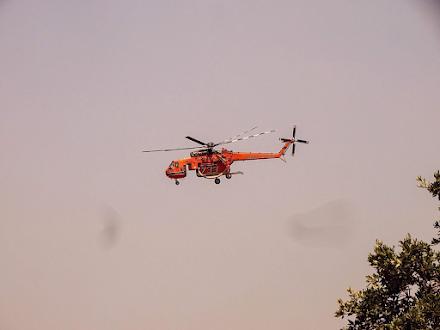 Ανεξέλεγκτη η πυρκαγιά στην νότια Εύβοια - Εκκενώνεται και το Μαρμάρι - Σε ετοιμότητα το λιμενικό