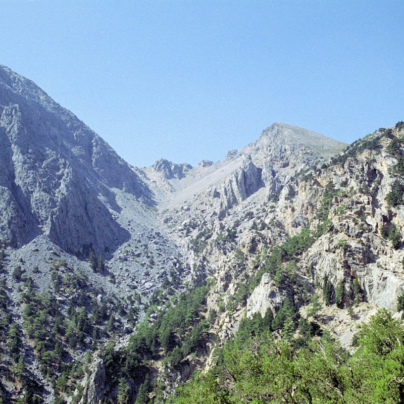 Crete_07 Cretan Mountains.jpg