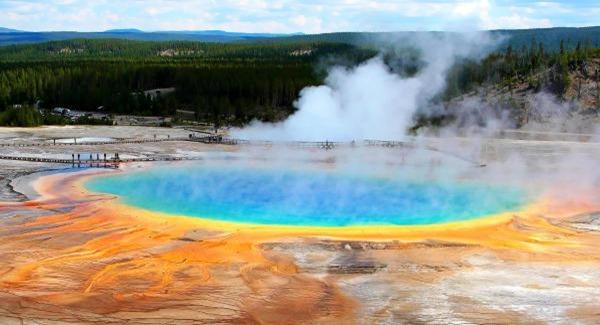 Yellowstone-Caldera-entre-os-vulcoes-ativos-mais-perigosos-do-mundo