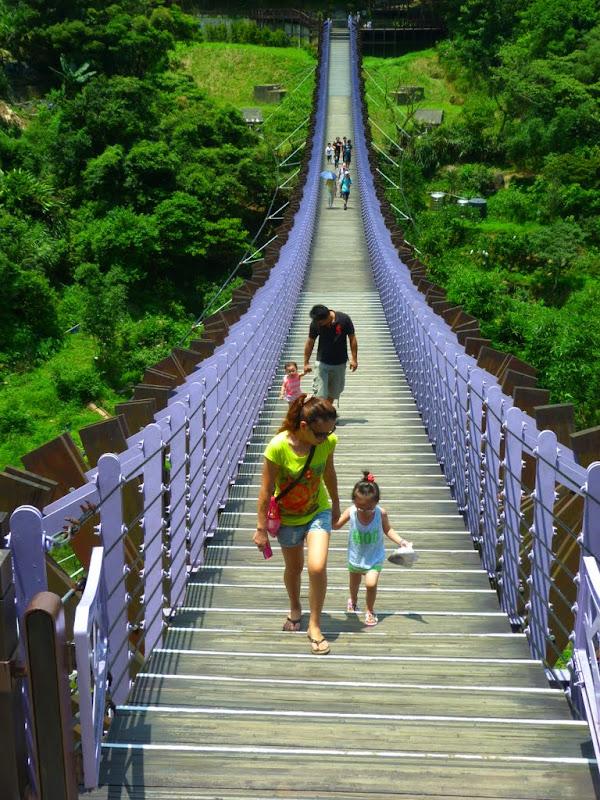 Taipei. Promenade de santé au départ de la station de métro DAHU       06/13 - P1330334.JPG