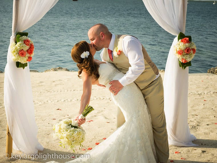 How to Plan a beach wedding your way