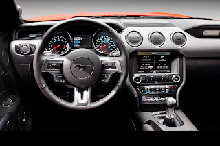 2015-Ford-Mustang-08