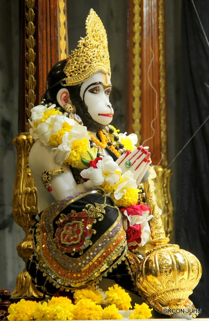 ISKCON Juhu Sringar Deity Darshan on 28th May 2016 (28)