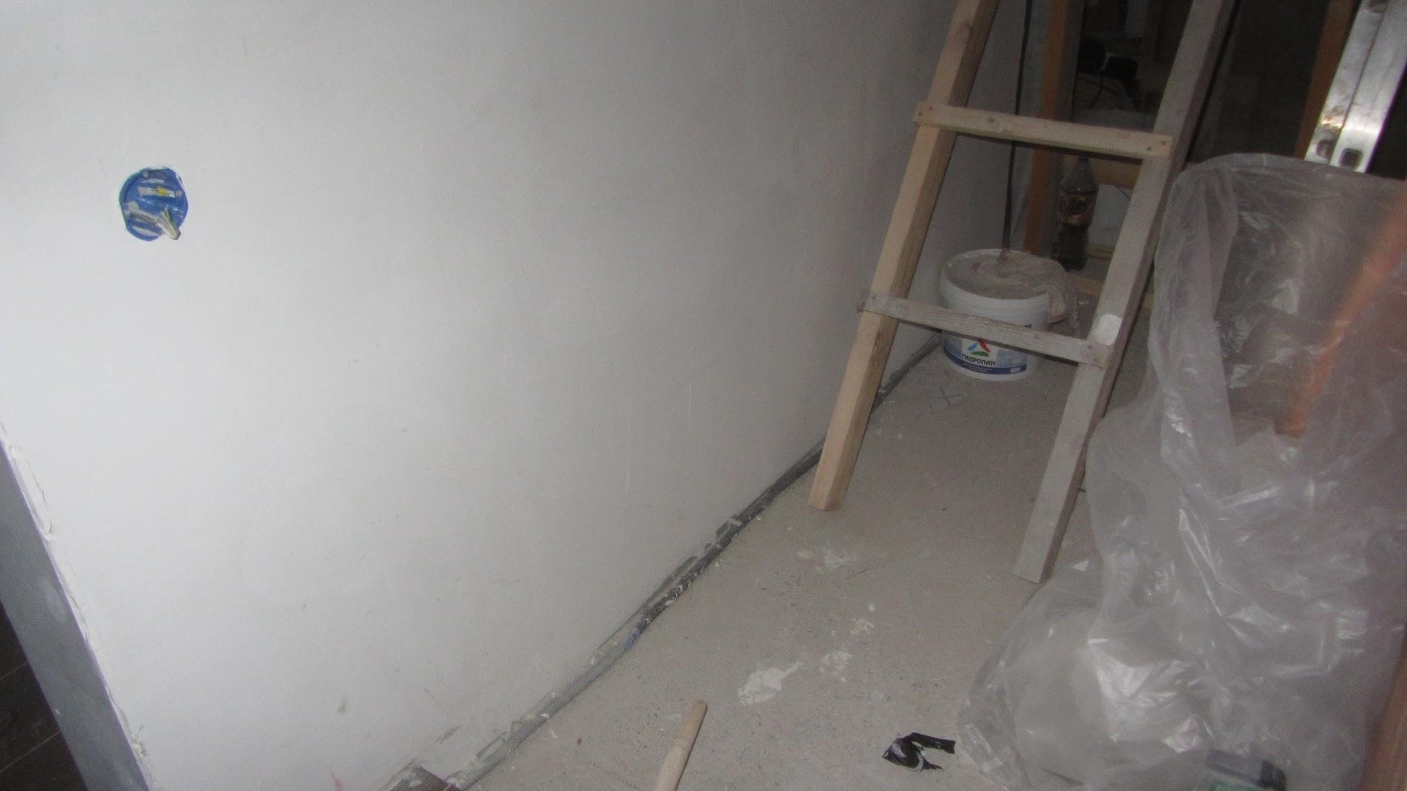 Выключатель света на лестнице на 1 этаже