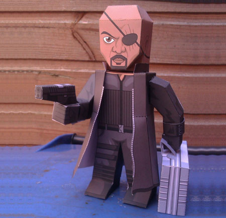 2012 Avengers Nick Fury Papercraft