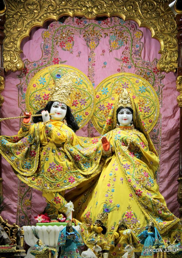 ISKCON Juhu Mangal Deity Darshan on 18th Jan 2017 (14)