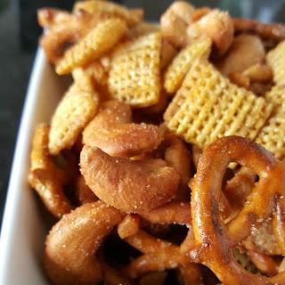 Cinnamon Honey Nut Snack Mix
