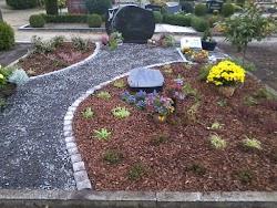 Gartenbau König | Grabgestaltung