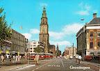 Groningen.  Martini toren met voor de toren Amsterdam - Rotterdam Bank.  Rechts achter de tweede lantaarnpaal gebouw  Nationale Levensverzekering bank.  Gelopen gestempeld in 1985.
