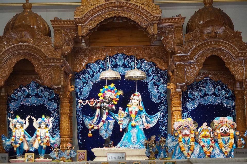 ISKCON Noida Deity Darshan 11 May 2016 (9)