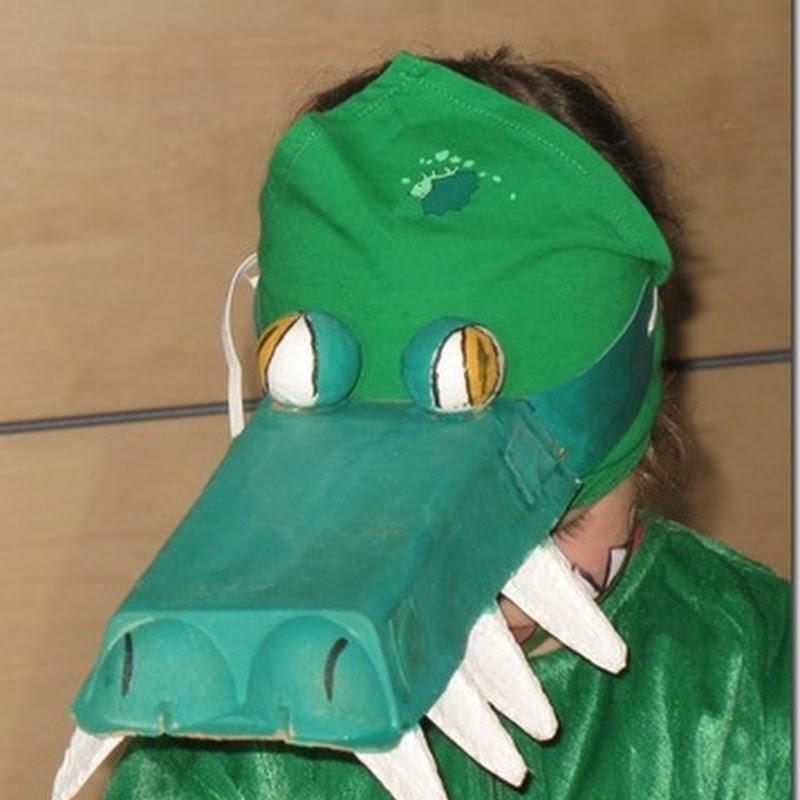Disfraz de cocodrilo con reciclados